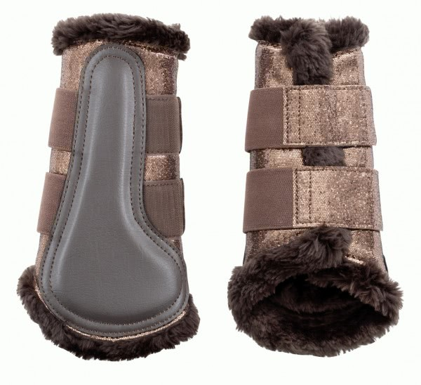 Boots with artificial fur