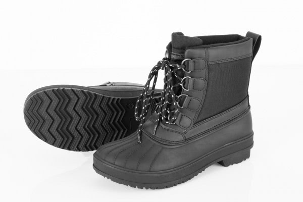 Outdoor boot with laces, high